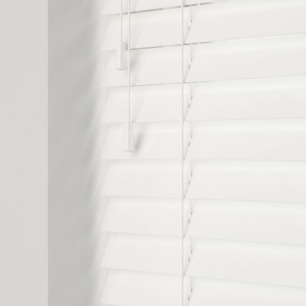 Gloss Pure wood venetian blinds with cords