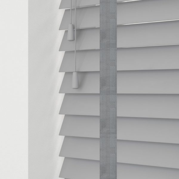 Ash wood venetian blinds with tapes